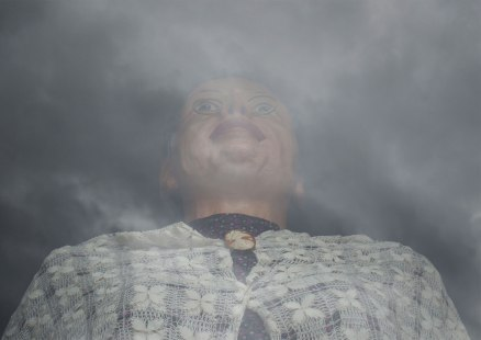 Head in the clouds - Lens